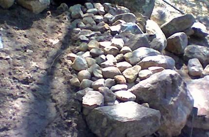 Lyhyt kivimuuri rakentaminen 06