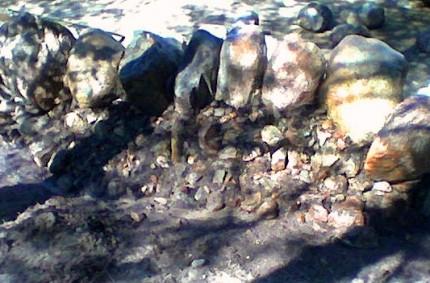 Lyhyt kivimuuri rakentaminen 10